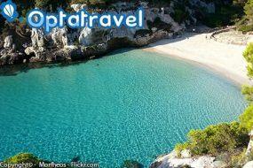 Minorca: Volo da Napoli + 7 notti in Appartamento con colazione a 559€