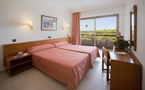 Maiorca pacchetto vacanze volo 7 notti in hotel a 299 for Emirati franchigia bagaglio in cabina in classe economica