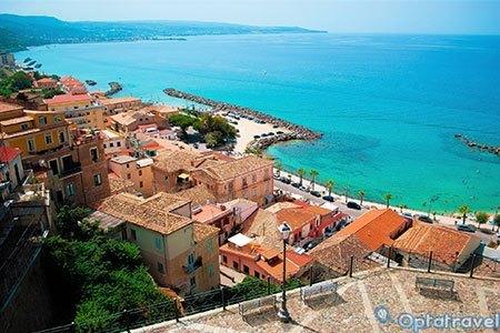 Calabria: 7 notti in pensione completa + spiaggia a 199€