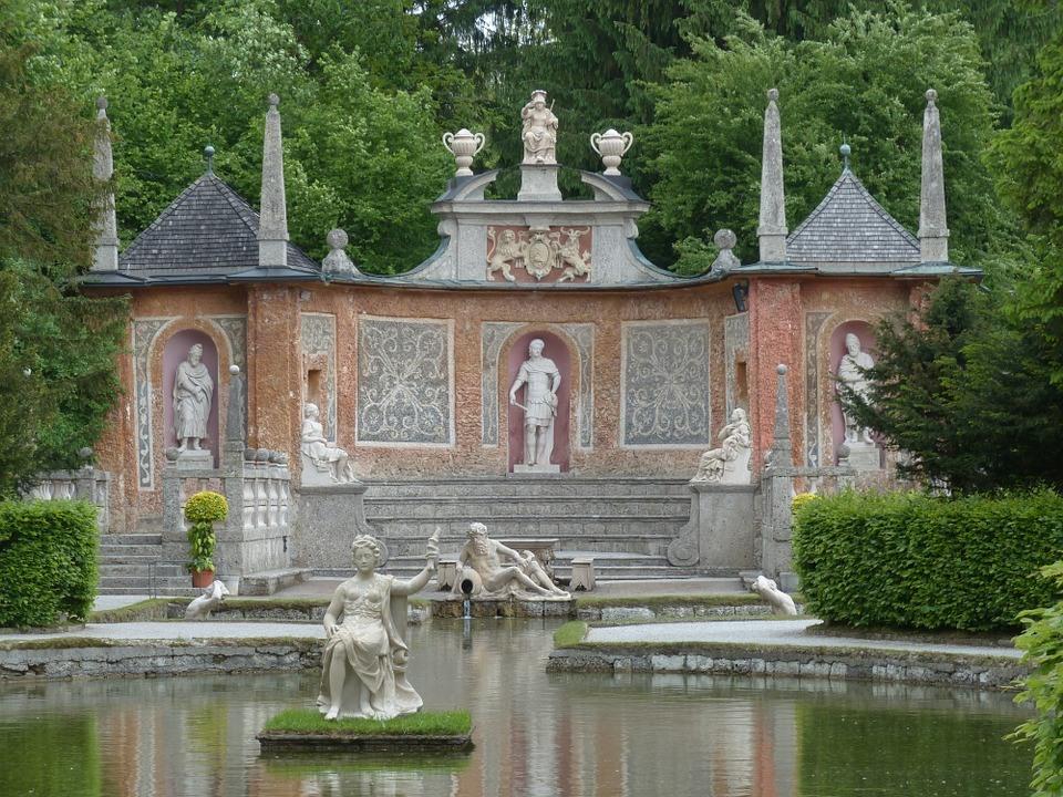 Cortile-Castello-Hellbrunn-pixabay