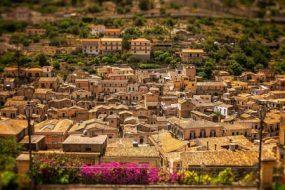 Modica: La Città del Ciocciolato in Sicilia e tanto altro